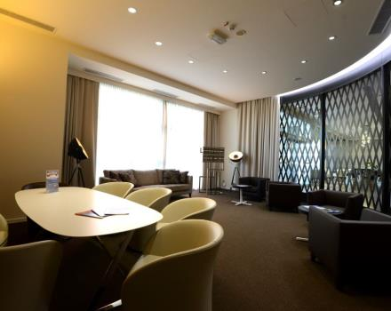 Looking for a hotel for your business trip? The Best Western Premier CHC Airport of Genoa puts at your disposal its Workzone to work or conduct short meetings.