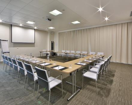 You need to organize an event or looking for a a meeting in Genoa? Discover Best Western Premier CHC Airport!