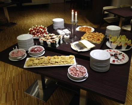 Looking for a location for your event? Need a caterering in addition to renting the Conference room? The Best Western Premier CHC Airport offers a wide range of catering services!